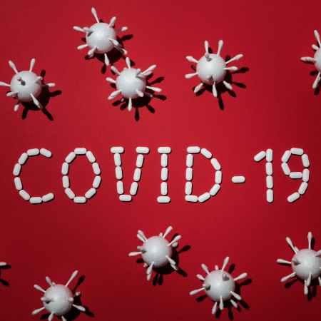 επίδειξη-πιστοποιητικού-εμβολιασμού-Covid-19